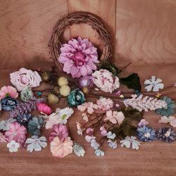 Basteln mit Blüten u. Rebenkranz