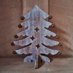 Holzbaum mit Glöckchen