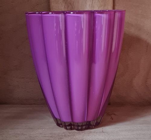 Glas-Vase Beere