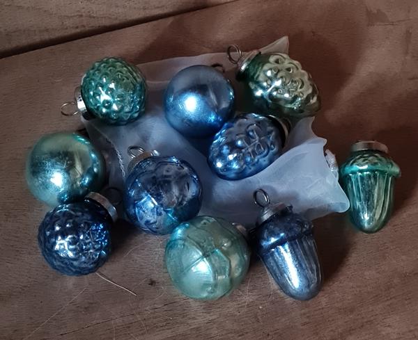 grün,blau ausglas